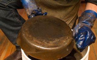 Канцелярский клей от нагара на сковородке — эффективное средство, которым пользовались наши бабушки
