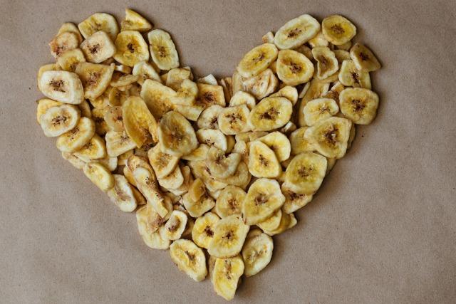 Как правильно сушить бананы в домашних условиях в духовке, микроволновке или электросушилке