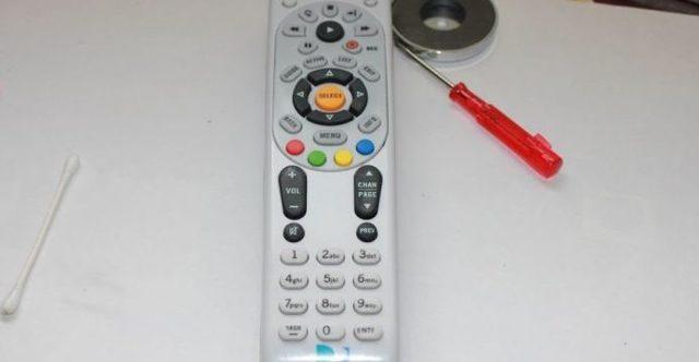 Как и чем почистить пульт от телевизора внутри и снаружи от грязи: сборник идей и советов