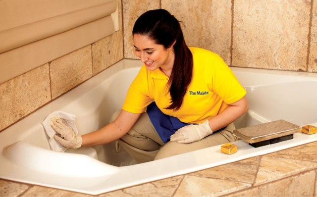 Как очистить ванну в домашних условиях: простые и эффективные способы