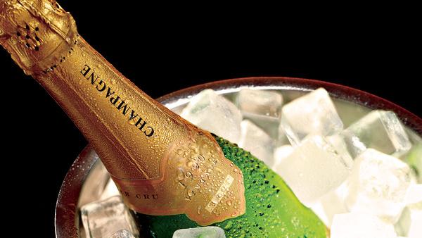 Как открыть шампанское и сколько его можно хранить?