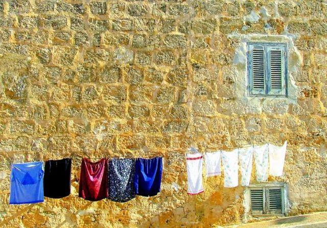 Зачем класть влажную салфетку в стиральную машину – 4 причины
