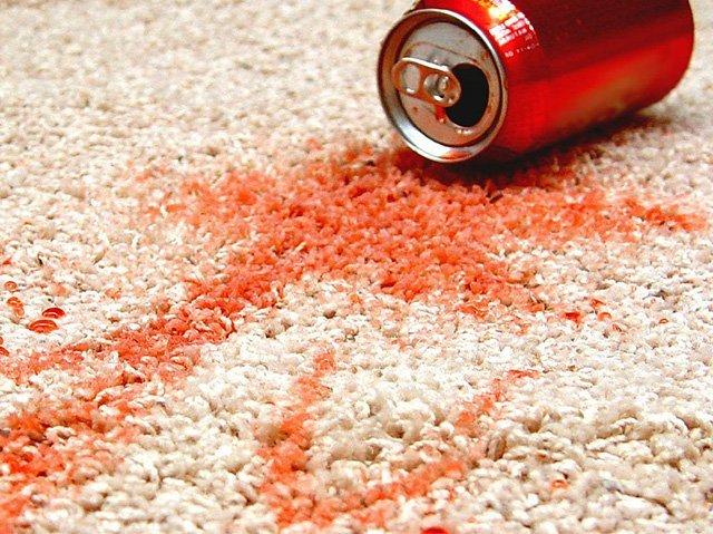 Как отмыть кока-колу с одежды, клавиатуры ноутбука, дивана, белого ковра, со стены