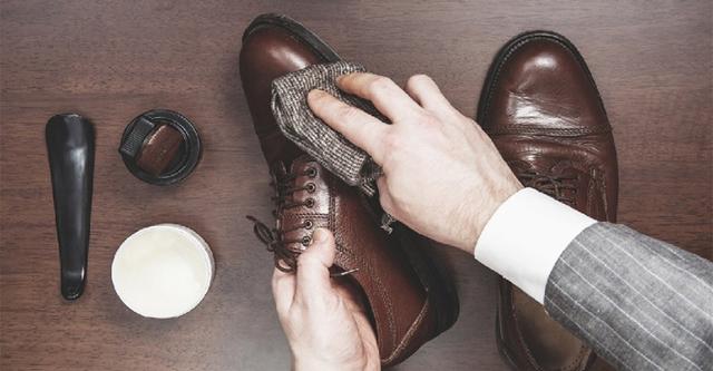 Как ухаживать за лакированной обувью: правила и рекомендации