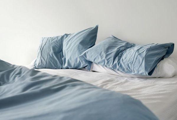 Как часто надо менять постельное белье: раз в неделю, две или месяц