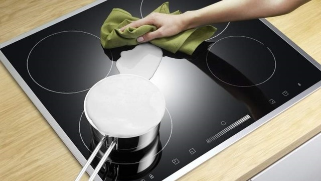 Чем и как мыть индукционную панель: какие средства подходят, а какие могут испортить покрытие