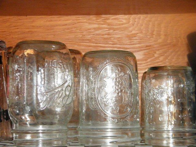 Где и как лучше хранить пустые стеклянные банки: в доме, на даче, в квартире