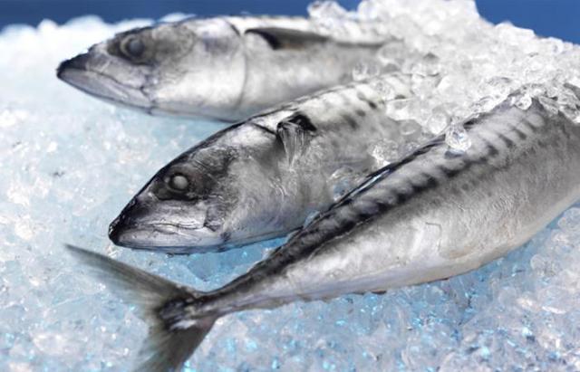 Как быстро разморозить рыбу перед приготовлением?