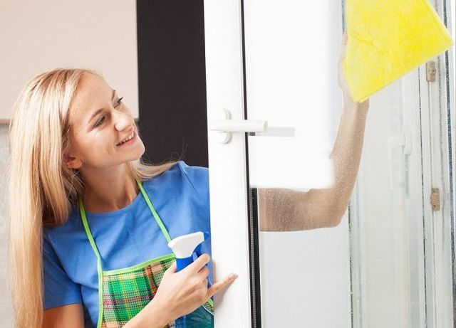 Как помыть окна без разводов в домашних условиях без химии?
