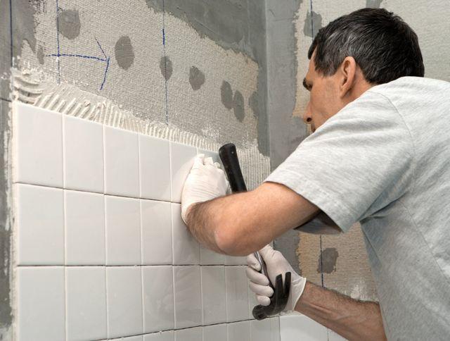 Как клеить плитку – отделка стен и пола своими руками