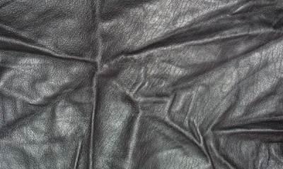 Как разгладить кожзам, не испортив изделие? (7 способов)