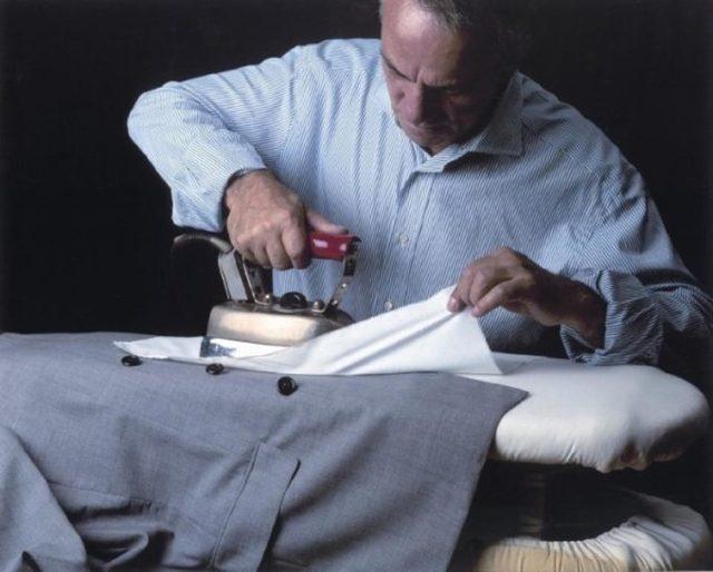 Как гладить пиджак утюгом в домашних условиях?
