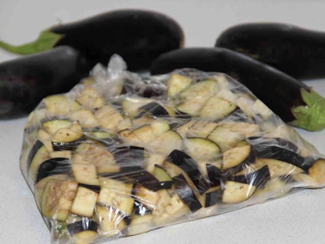 Как хранить баклажаны: заморозка, заготовки, складирование свежего продукта