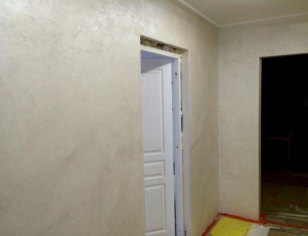 Как мыть декоративную штукатурку в зависимости от типа: приводим в порядок стены на кухне, в коридоре, в жилой комнате