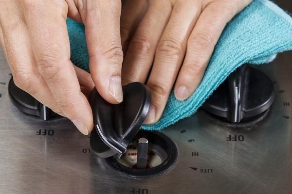 Как очистить ручки у плиты быстро и без усилий