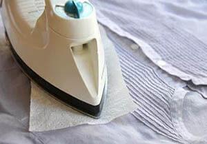 Как убрать пластилин с одежды: чем отмыть и как отстирать