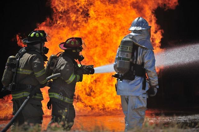 Почему горящий керосин нельзя тушить водой, насколько велик риск