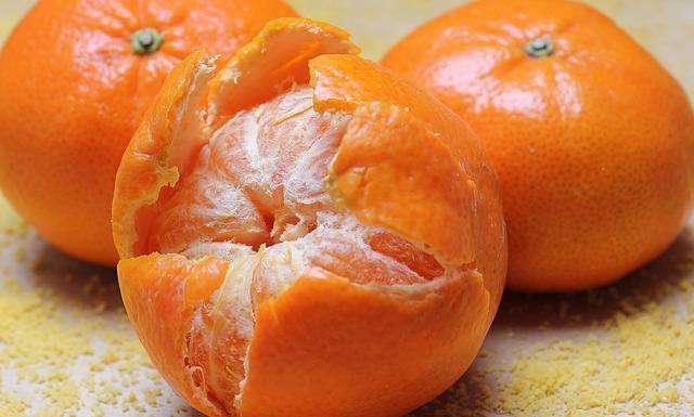 Как использовать мандариновые корки в быту и в кулинарии: несколько интересных идей