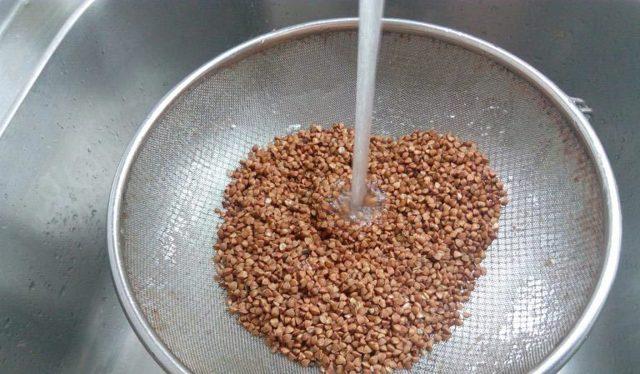 Нужно ли мыть гречку перед варкой, обжариванием, проращиванием