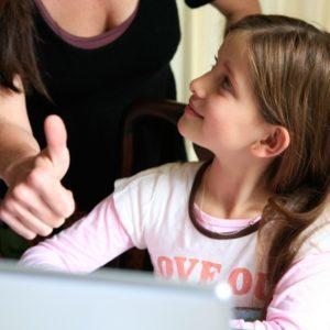 Как приучить ребёнка к уборке, с какого возраста: опыт мам и советы психолога