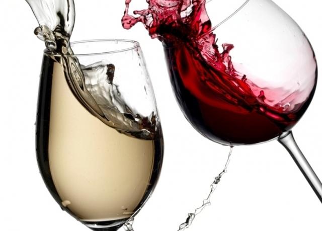 Как отстирать красное вино: 8 лучших средств для решения проблемы