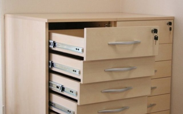Как вынуть ящик из направляющих кухонного гарнитура и шкафа