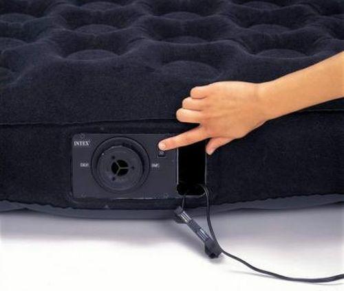 Как сдуть надувной матрас с помощью насоса и без