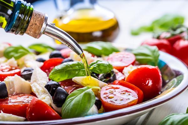 Чем заменить майонез в салатах, мясных и рыбных блюдах, при запекании в духовке – варианты для правильного питания