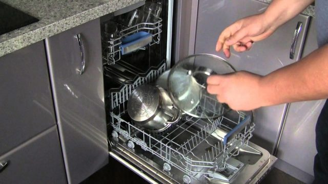 Можно ли мыть сковородки в посудомоечной машине: опасно ли это для чугунной, стальной, тефлоновой поверхности