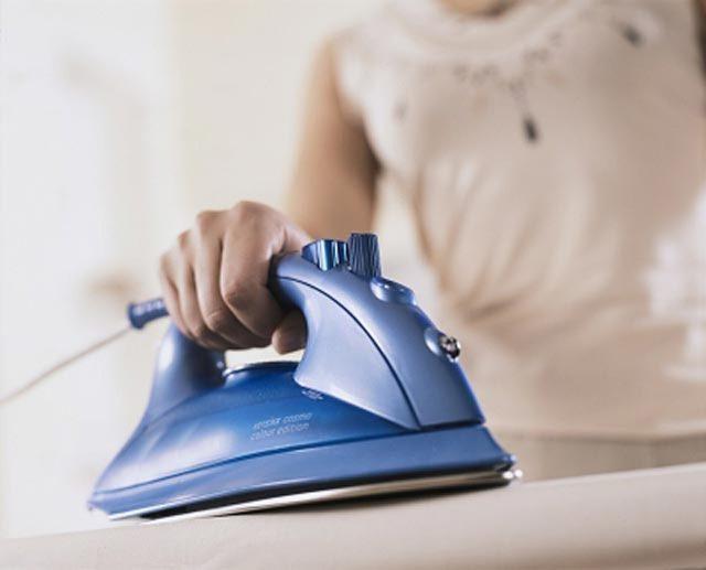 Как отстирать лак для ногтей с ткани, одежды: народные и химические средства