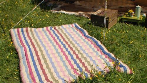Как постирать ватное одеяло в домашних условиях – машинная или ручная обработка?