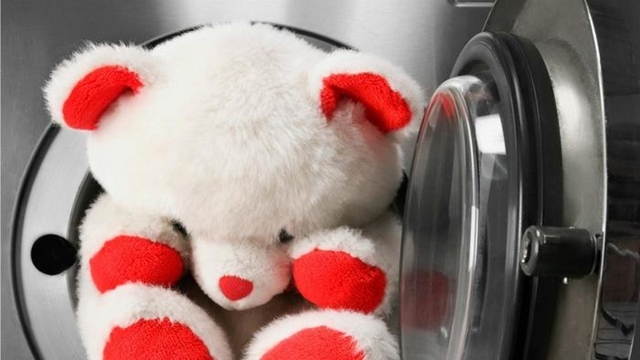 Как стирать мягкие игрушки: большие, музыкальные, с шариками