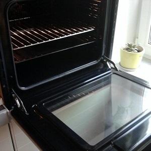Как почистить духовку от жира и нагара домашними и химическими способами?