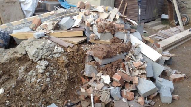 Можно ли выбрасывать строительный мусор в контейнер, как лучше его утилизировать?