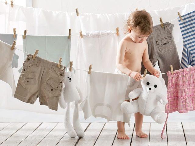 Как и чем отстирать детские вещи от старых пятен различного происхождения?
