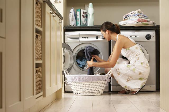 Как убрать смолу с одежды: пошаговая инструкция вдомашних условия