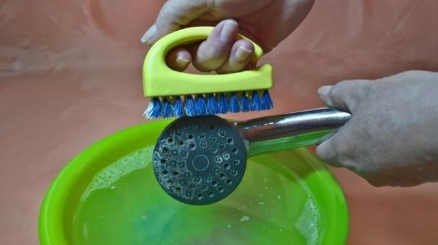 Как очистить лейку душа от известкового налета – лучшие способы