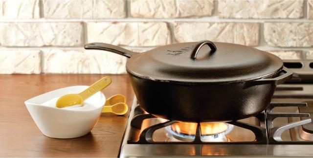 Как обработать новую чугунную сковороду перед использованием, что бы не пригорало и не ржавела