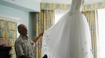 Как погладить свадебное платье правильно и не испортить ткань?