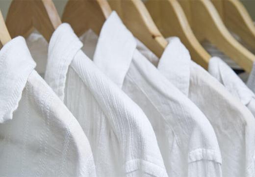 Как отбелить белую блузку в домашних условиях, если она посерела или пожелтела?