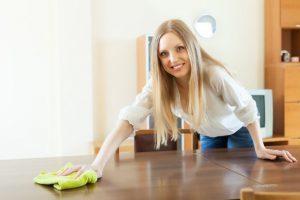Чем и как почистить полированную мебель в домашних условиях от жирных и старых пятен