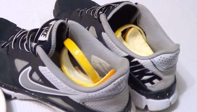 Как избавиться от запаха обуви быстро и вывести вонь из кроссовок, туфель и ботинок