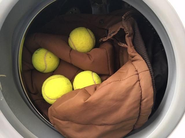 Можно ли стирать пакеты и строительную плёнку в стиральной машине: причины, способы