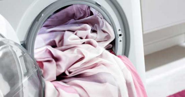 Как стирать натуральный и искусственный шёлк: сборник работающих советов