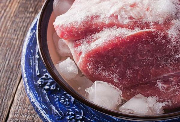 Можно ли варить замороженную курицу, не размораживая — для супа, жарки, тушения