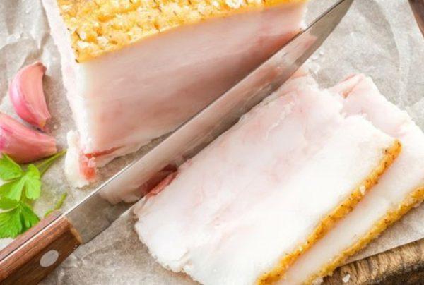 Как хранить соленое сало в холодильнике и в морозильной камере?