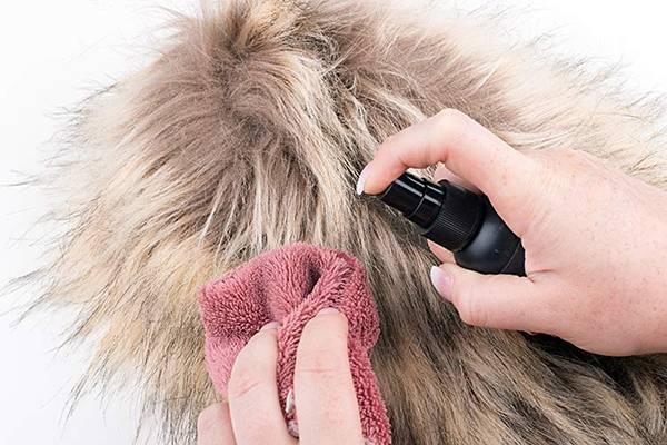 Как почистить меховой воротник в домашних условиях: лучшие способы ухода за натуральной и искусственной меховой опушкой