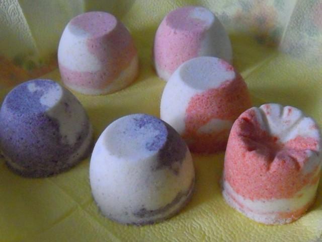Бомбочки для ванной своими руками: тонкости изготовления и лучшие рецепты