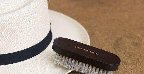Как почистить меховую и норковую шапку в домашних условиях, а также вязаную шапку с меховым помпоном