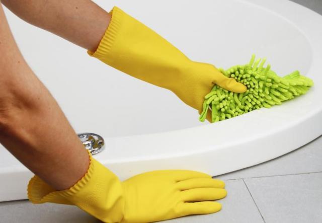 Можно ли мыть акриловую ванну Саноксом и как это сделать без вреда для материала